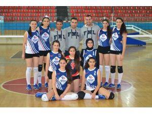 Okullararası Voleybol Turnuvasının Şampiyonu Final Okulları Oldu