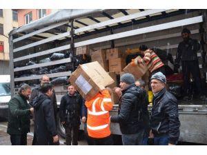 AK Parti'den Bayır Bucak Türkmenlerine Yardım