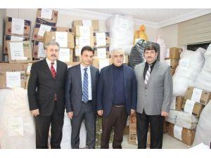 Maçka'dan Bayır Bucak Türkmenleri'ne Yardım