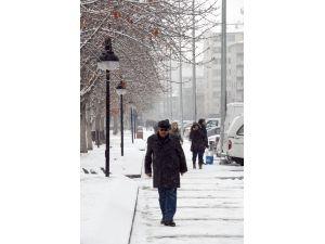 Kayseri'de hava sıcaklığı eksi 20 dereceye düşmesi bekleniyor
