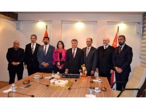 KKTC Ulaştırma Bakanlığı Heyeti, Emniyet Müdürü Şahin'i Makamında Ziyaret Etti
