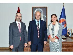 Meksika Büyükelçisi Coqui'den Rektör Çamsarı'ya Ziyaret