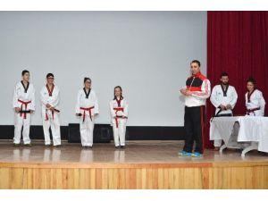Foçalı Taekwondocular Kemer Heyecanı Yaşadı