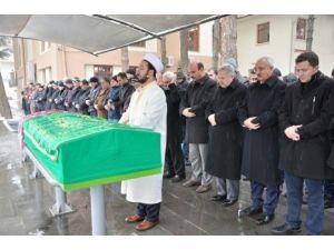 Vali Kahraman, Diş Hekimi Ahmet Ateşal'ı Acılı Gününde Yalnız Bırakmadı