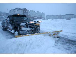ABD'de kar fırtınası hayatı felç etti