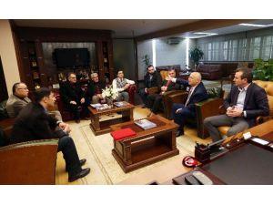 Koçhisarlılar'dan Başkan Yaşar'a Tuzdan Plaket