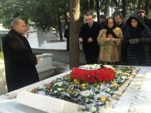 İsmal Cem Ölümünün 9. Yılında Mezarı Başında Anıldı