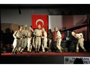 Ayvalık Belediyesi Koca Seyit Tiyatrosunu Ağırladı