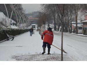 Kar; Zonguldak'ta Hayatı Olumsuz Etkiledi