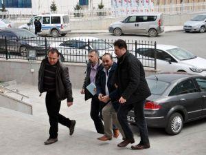 Hakkında Yakalama Emri Bulunan Belediye Eski Çalışanı Gözaltına Alındı