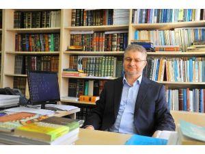 SAÜ Öğretim Üyesi Ahatlı Hadislerin Kültürümüzdeki Yerini Değerlendirdi