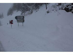 İnebolu'da 74 Köy Yolu Ulaşıma Kapandı