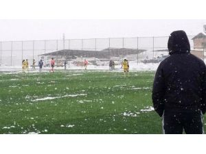 Malatya Bayanlar Spor Kulübü Liderliğini Sürdürdü