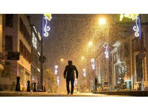 Sultanbeyli'de, En İyi Kış Fotoğrafını Çeken Ödülünü Alıyor