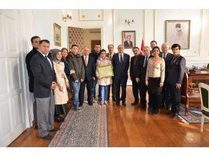 Dereceye Giren Öğrencilerden Vali Salihoğlu'na Ziyaret