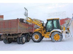 Horasan Belediyesinden Kar Mesaisi