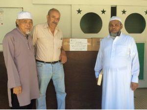 Hediye Kur'an-ı Kerimler Yeni Kaledonya Müslümanlarına Ulaştı