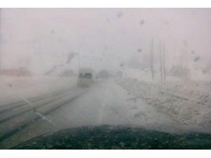 Kahramanmaraş'ta Kar Ve Şiddetli Tipi Sürücüleri Vurdu