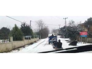 Tarım aracıyla kayak keyfi