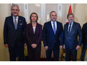 Türkiye ve AB, Suriye'de siyasi çözümün 'kapsayıcı' olmasını istiyor