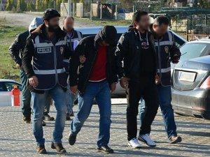 Göçmen kaçakçılığı operasyonunda 13 gözaltı