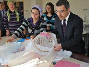 Yüreğir Kültür Evleri Meslek Sahibi Yapıyor