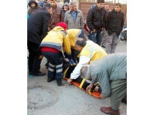 Minibüsün Çarptığı Yaya Ağır Yaralandı