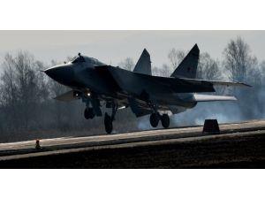Rusya'da eğitim uçağı düştü