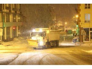 Bolu'da Karla Mücadele Gece Gündüz Devam Ediyor