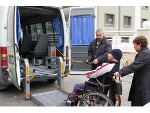 Büyükşehir'den Engellilere Ulaşım Hizmeti