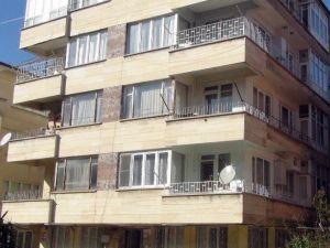 Yerinden Çıkan Boruyu Takmak İsterken 5 Katlı Binadan Düştü