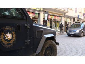Tunceli'de 3 kişi gözaltına alındı