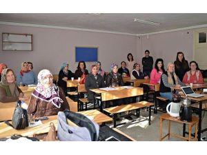 Köylü Kadınlara Diksiyon Ve Etkili Konuşma Eğitimi