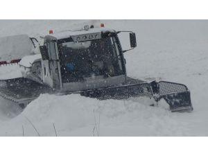 Kars'ta kar ve tipi nedeniyle köylere ulaşım sağlanamıyor