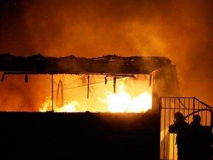 İstanbul'da kağıt fabrikasında yangın çıktı