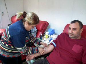 Efelerde Kan Bağışı Sürüyor