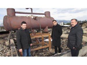 CHP Milletvekili Bülent Öz, Yenice'de Yanan Gıda Fabrikasını İnceledi