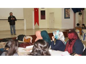 'Köylü Ressam'dan Akademi Öğrencilerine Resimle Terapi