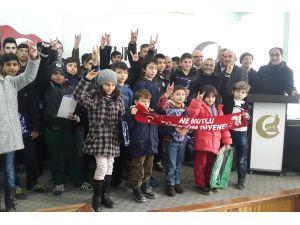 Turhal Ülkü Ocakları'ndan başarılı öğrencilere karne hediyesi