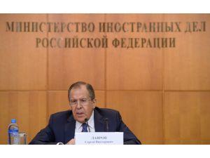 Lavrov: Iraklı Kürtlere, Bağdat üzerinden silah verdik