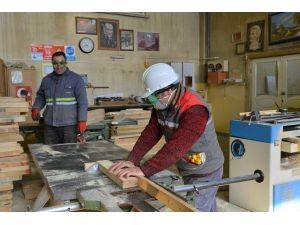 Tepebaşı Şantiyesi Fabrika Gibi Çalışıyor