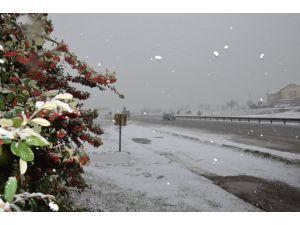 Silivri'de kar etkili oluyor