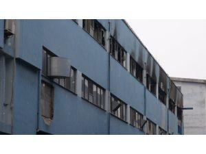 Fabrika yangında büyük hasar gördü