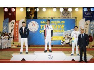 Mete Gazoz, Okçulukta Dünya Şampiyonası'na Katılıyor