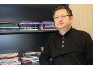 """Yrd. Doç. Dr. Büyükdoğan: """"Uzaktan Eğitim Gün Geçtikçe Önem Kazanıyor"""""""