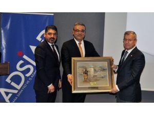 """Bozkurt: """"Adanalılar Karnavalı Sahiplendi"""""""