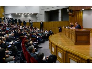 Lavrov: Putin, Esed'in görevini bırakması için ikna girişiminde bulunmadı