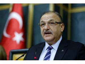 MHP grup toplantısını Oktay Vural yaptı