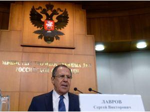 Lavrov: BM, IŞİD - Türkiye petrol ticaretini rapor etmeli