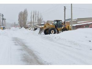 Yakutiye, Kar Çalışmasını Sürdürüyor